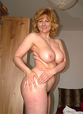 These horny sugar moms love to spread legs and expose hungry slit